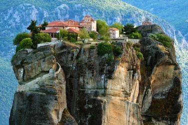 Великден в Солун и Паралия Катерини -целодневна екскурзия до Метеора
