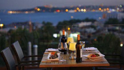 Столицата на света Истанбул -  с бонус посещение на пеещите фонтани и мол Емаар